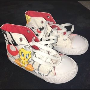 LOONEY TUNE LIMITED EDITION CONVERSE